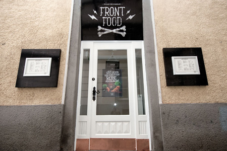 Front Food Geschäft