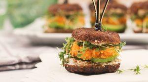 Vegane Woche Mini Quinoa-Taler Burger