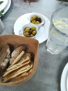 Habibi & Hawara Pitabrot mit Oliven